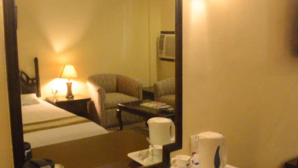Lytton Hotel, Kolkatta Kolkata Suite Lytton Hotel Kolkata 4