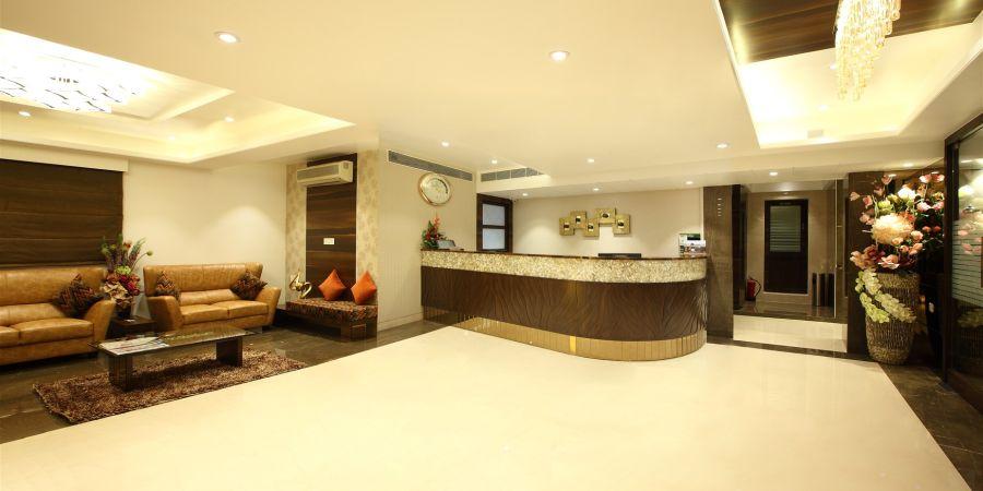 alt-text Front-desk | Hotel Suba Palace, Mumbai 2