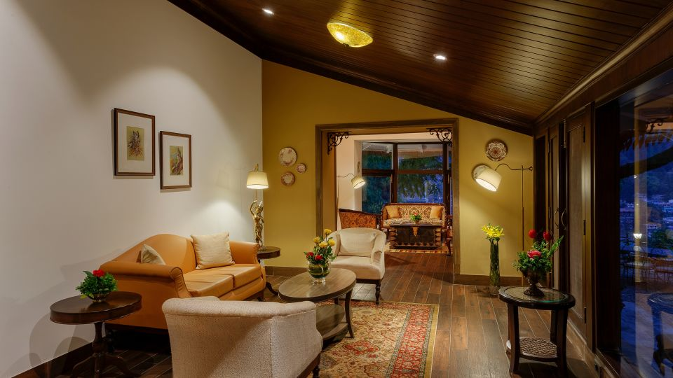 The Naini Retreat- Naini Royal Living Space