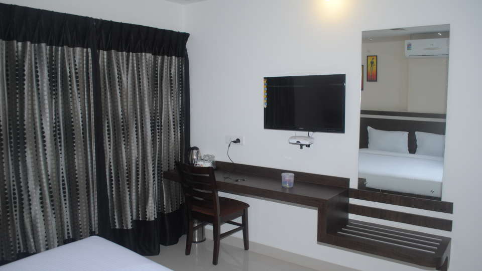 Hotel Raj Residency, Bannerghatta Road, Bangalore Bangalore deluxe rooms 2 hotel raj residency bannerghatta road bangalore