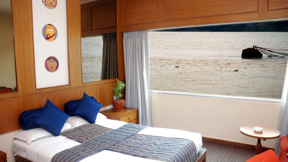 Hotel in Kolkata  Stateroom River Rooms in Floatel Kolkata  Hotel Rooms in Kolkata 2