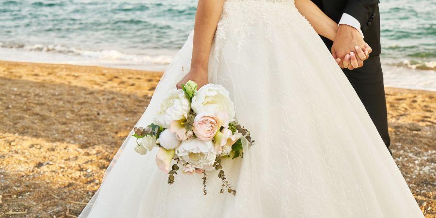 alt-text bridal-4480907 1920