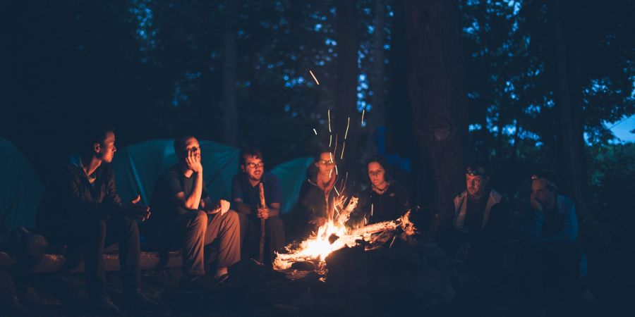 bonfire-1867275 1920