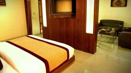 Premium Suite, Hotel Fortune Palace, Suites in Gujurat 2