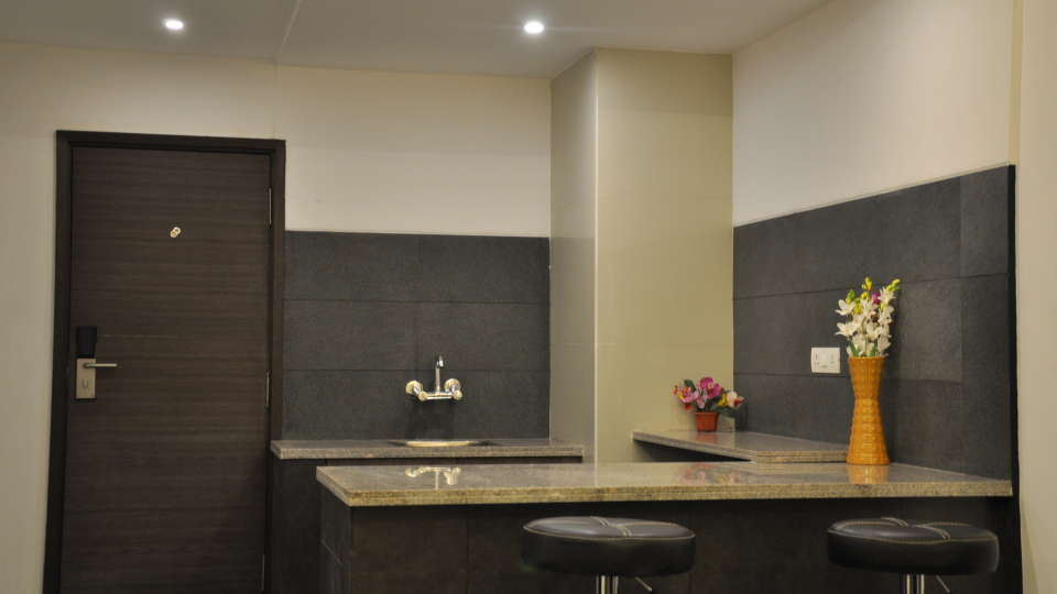 Mango Classic Rooms 2, Mango Hotels - Tansha Regal, Rooms in Vadodara