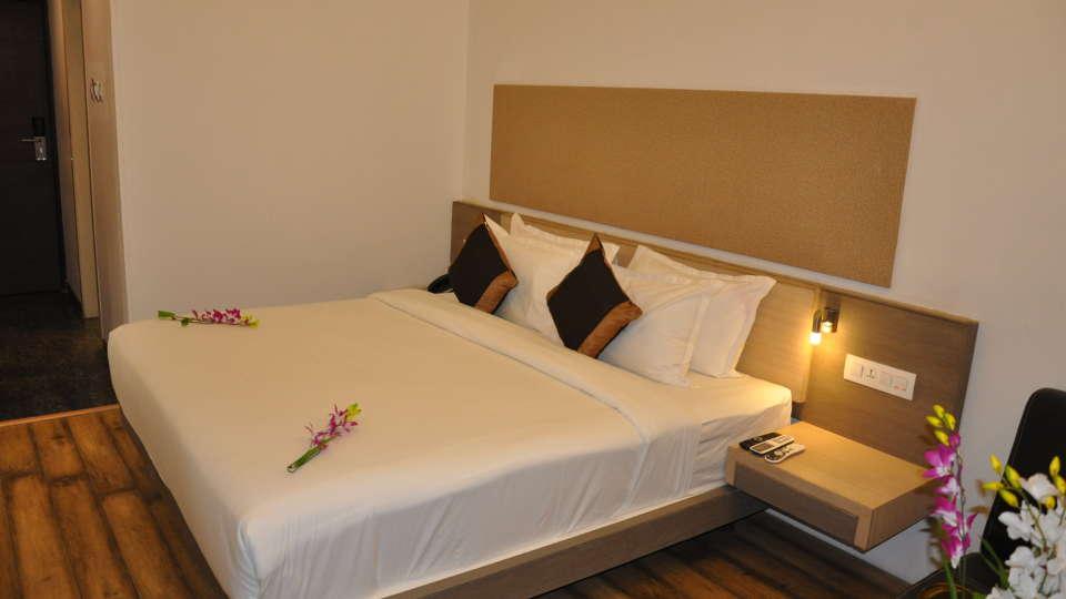 Mango Classic Rooms 3, Mango Hotels - Tansha Regal, Rooms in Vadodara
