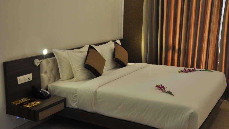 Mango Classic Rooms 5, Mango Hotels - Tansha Regal, Rooms in Vadodara