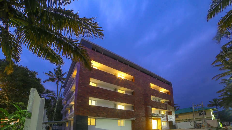Facade at Summit Hampton Kerla 2