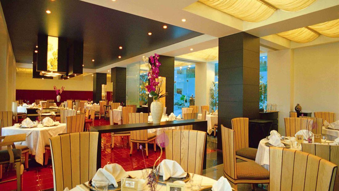 Restaurant Radha Regent Chennai 2