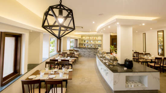 The Square Restaurant at Hotel Sarovar Portico Lonavala 3