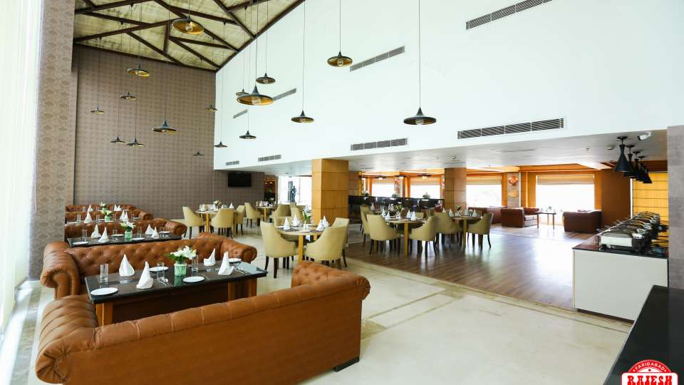 Season s Kitchen Restaurant Udman Hotels Resorts - Mahipalpur New Delhi Hotel in Mahipalpur 7