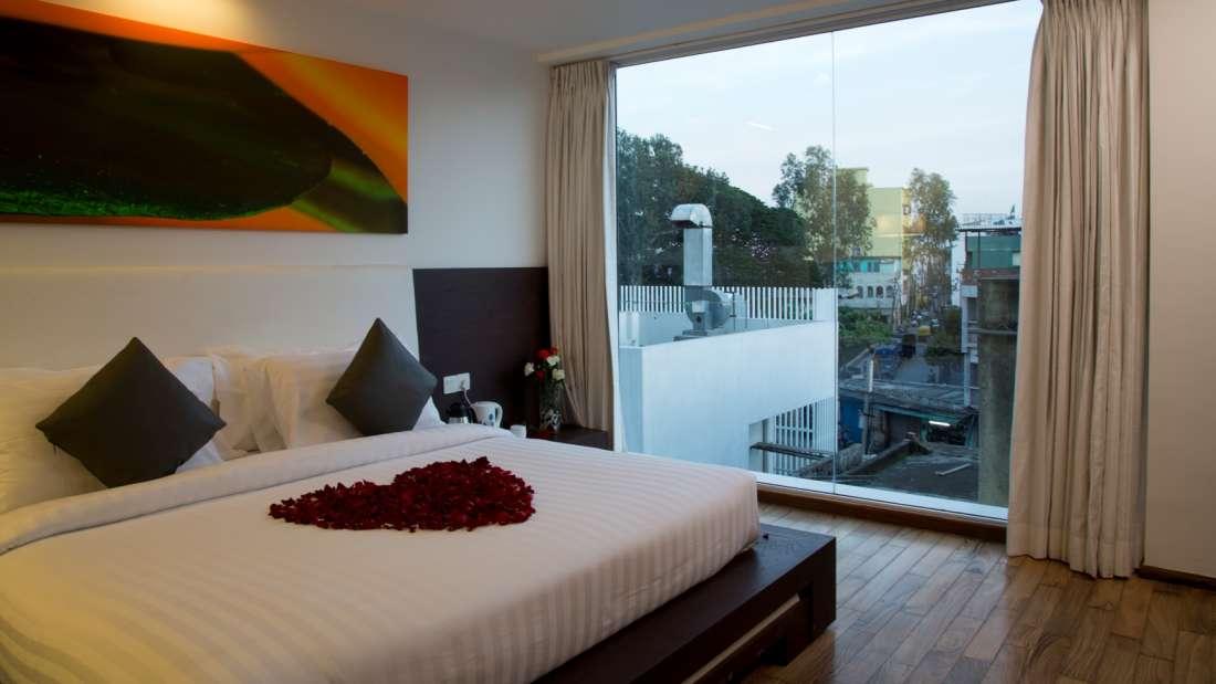 Springs Hotel & Spa, Bangalore Bengaluru Suite Room 2 Springs Hotel Spa