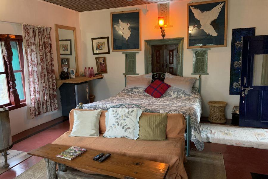 alt-text Deluxe Rooms 4 2, Bara Bungalow Jeolikote, Nainital budget hotel, hotel in Nainital