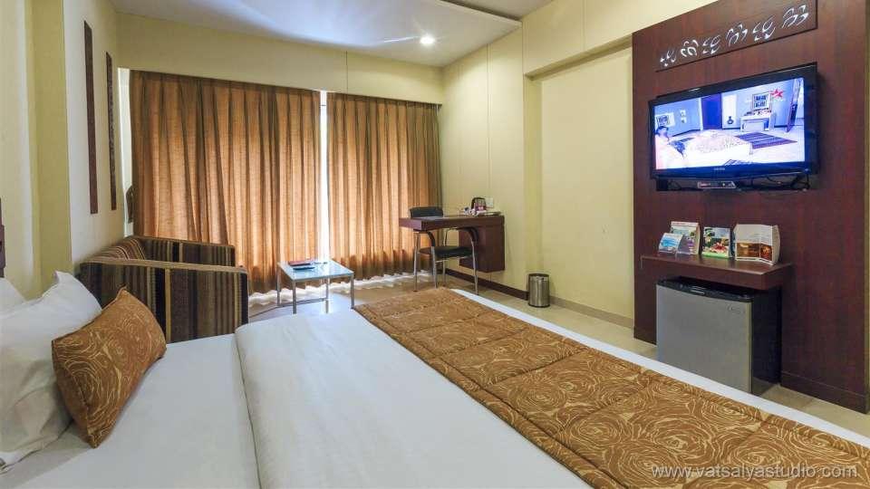 VITS Shalimar Hotel, Ankleshwar Ankleshwar Double Classic Room VITS Shalimar Hotel Ankleshwar 3