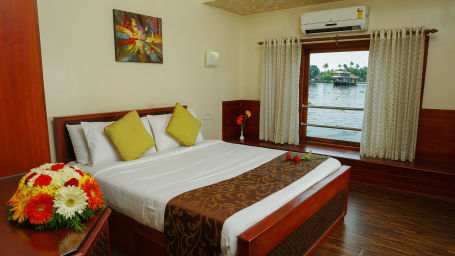 10, Houseboats in Alleppey, luxury houseboats in Alleppey, premium houseboats in Alleppey, backwater cruise in Kerala, luxury houseboats in Kumarakom, houseboat cruise in Kumarakom, best houseboats in Kerala