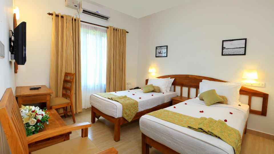 Hotels in Fort Kochi, Hotels Near Fort Kochi Beach, Budget Hotels in Fort Kochi, Bed and Breakfast Hotels in Cochin, Fort Cochin Hotels, Hotels Near Chinese Fishing Nets 25