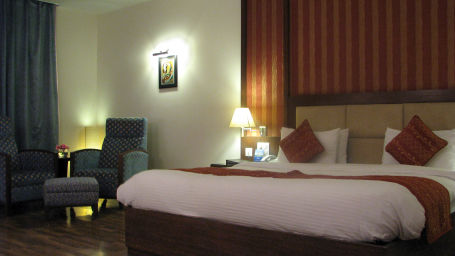 Suite at Legend Sarovar Portico, Baddi 4