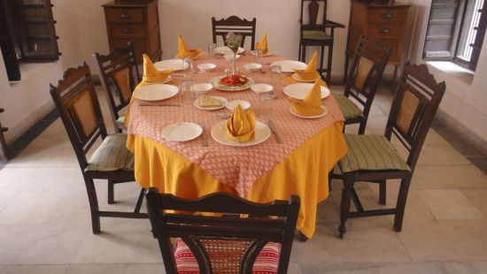 Restaurant in Rajasthan, The Piramal Haveli, Shekhawati Restaurant 1