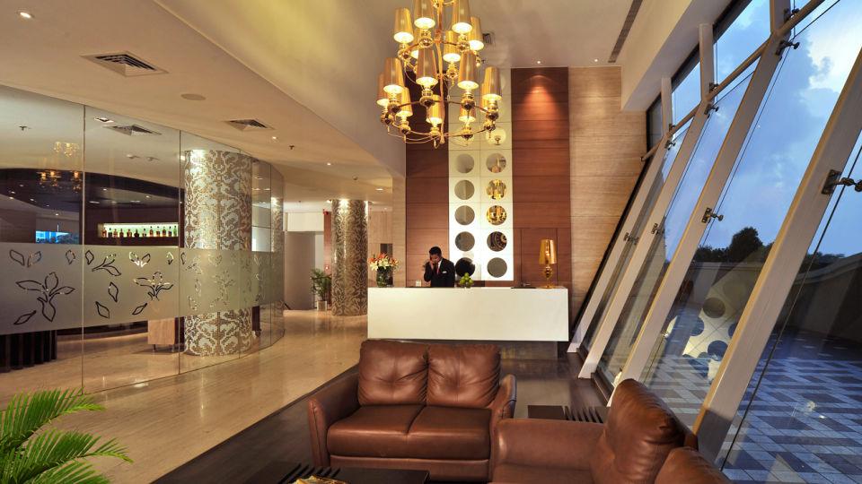 Reception Lobby at Majestic Court Sarovar Portico Navi Mumbai 2