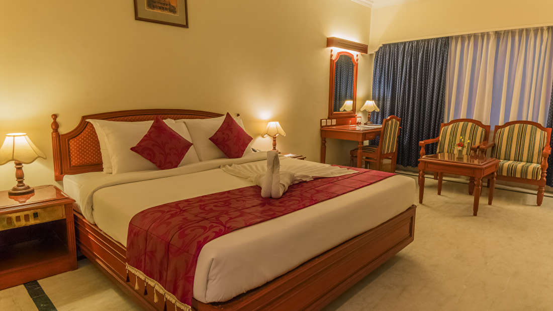 Hotel Annamalai International, Pondicherry Pondicherry Annamalai Suite - Bed Room Hotel Annamalai International Pondicherry 3
