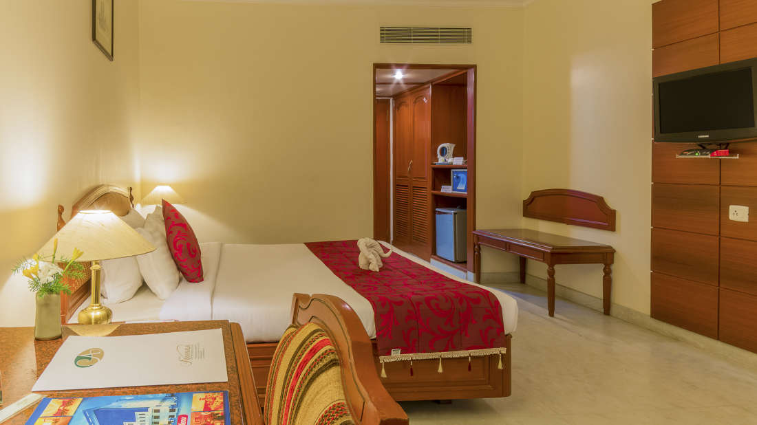 Hotel Annamalai International, Pondicherry Pondicherry Premium Room 1 Hotel Annamalai International Pondicherry 3