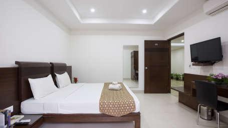 The Sanctum Suites, Bangalore Bangalore Premium King Room with balcony 3 The Sanctum Suites Bangalore