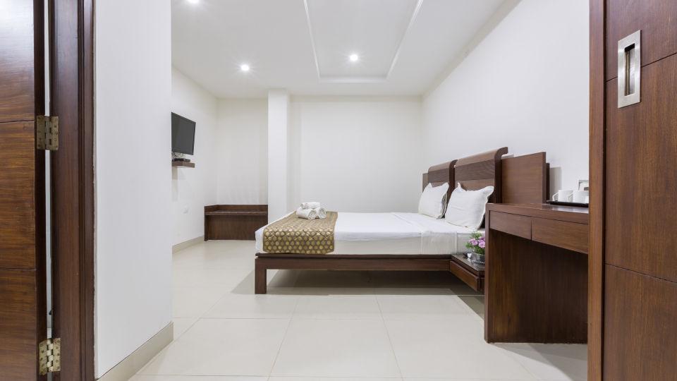 The Sanctum Suites, Bangalore Bangalore Standard King Room 3 The Sanctum Suites Bangalore