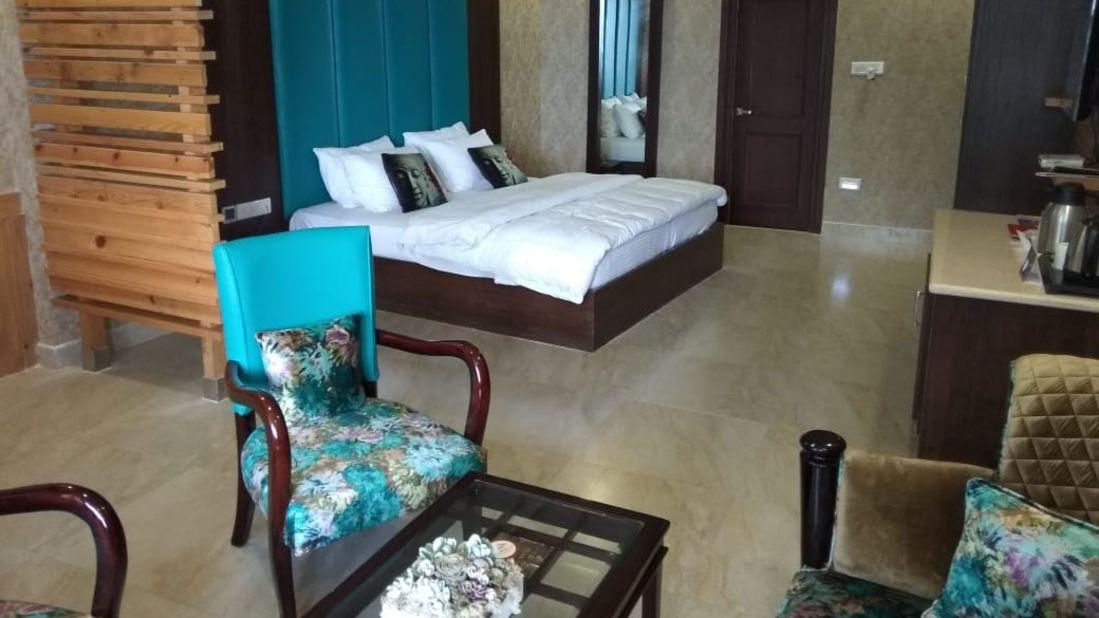 luxury suites at hotel mount view, best suites in Dalhousie 6