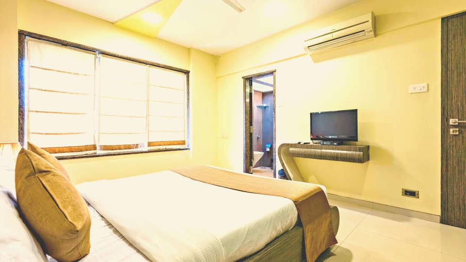 Hotel Dragonfly, Andheri, Mumbai Mumbai Deluxe Room Dragonfly Apartments Emerald Krishna Enclave Andheri Mumbai