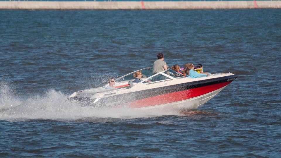 Speed boat Lotus Beach Resort Murud Beach-Dapoli Ratnagiri