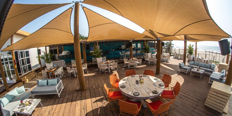 alt-text Restaurant in Morjim, Living Room Beach Resort