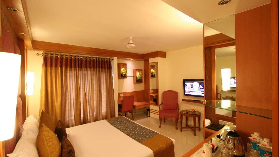 Executive Room Hotel Southern New Delhi