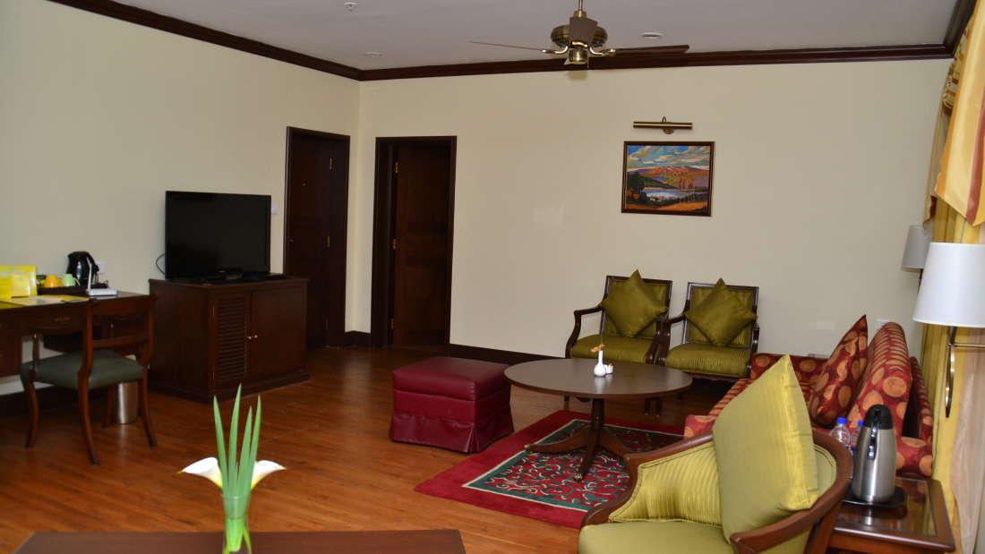 Cottages in Kodaikanal, The Carlton 5 Star Hotel in Kodaikanal ,luxury resorts in Kodaikanal