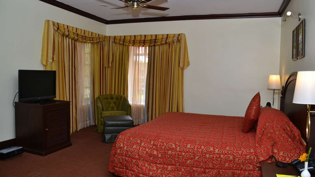 Cottages at The Carlton - Best 5 Star Hotel in Kodaikanal
