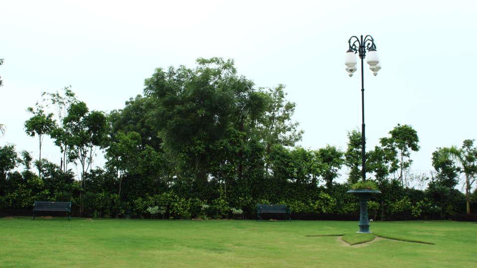 Hotel Nidhivan Sarovar Portico, Mathura Mathura Lawn Exterior Area Hotel Sarovar Portico Mathura 13