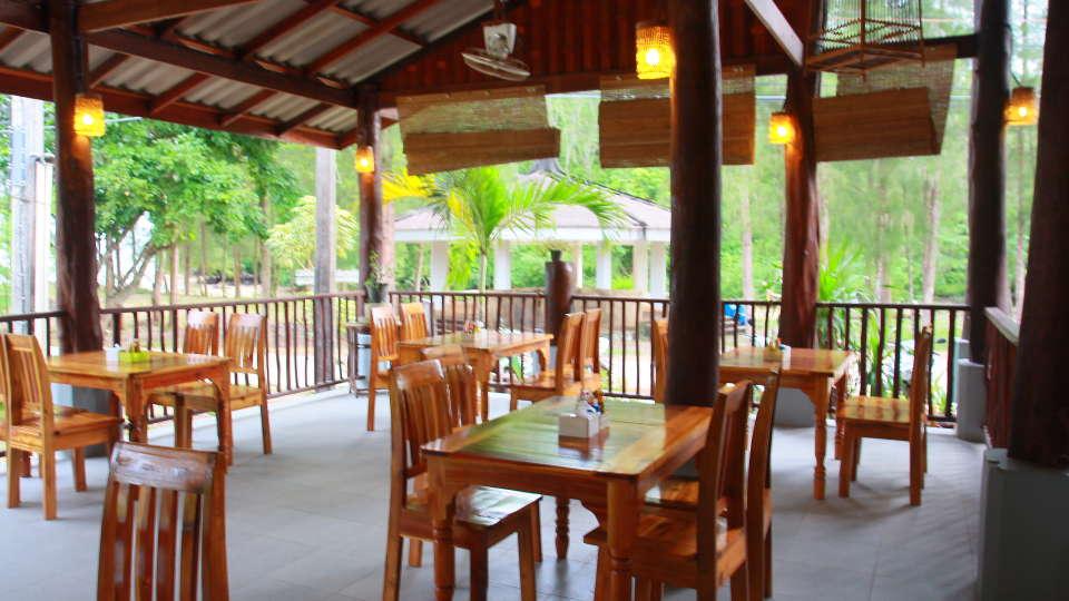 Koh Yao Beach Bungalows, Koh Yao Noi, Thailand Koh Yao Restaurant Koh Yao Beach Bungalows Koh Yao Noi Thailand 4