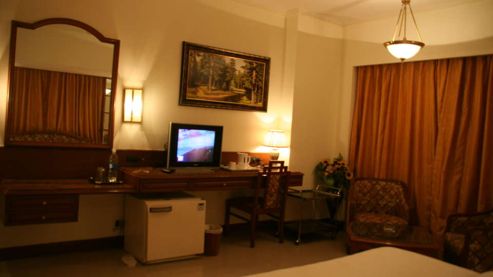 Executive Deluxe Room Hotel Kohinoor Executive Pune 2