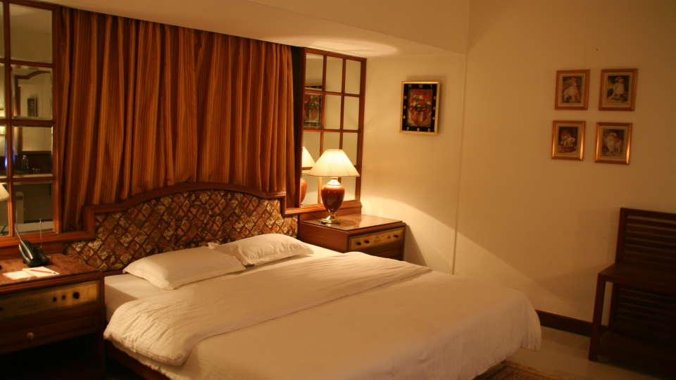 Executive Deluxe Room Hotel Kohinoor Executive Pune 3