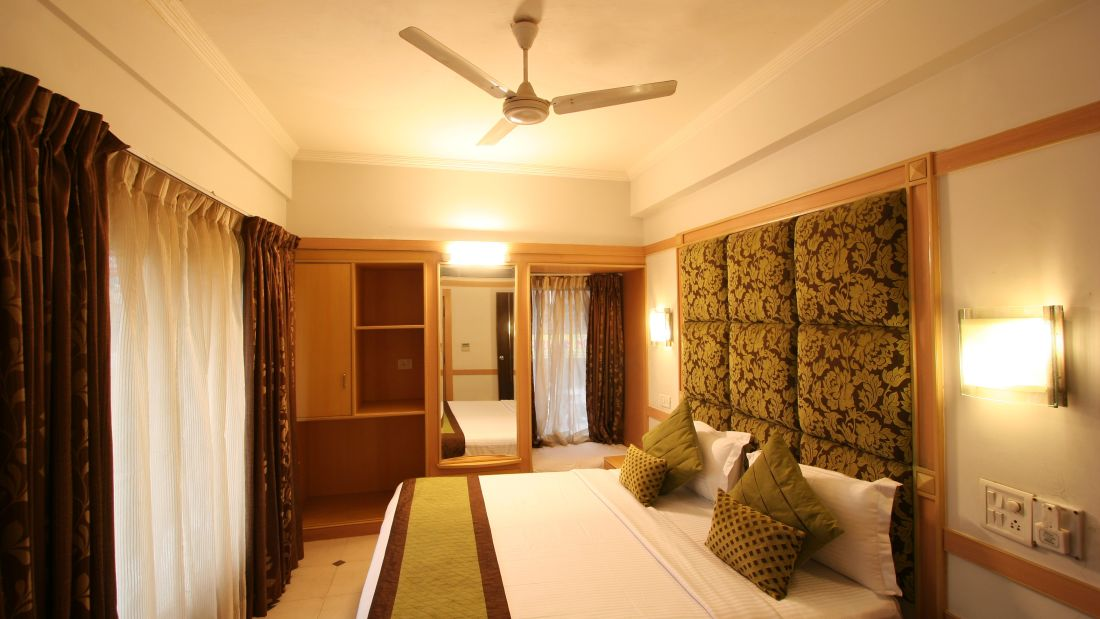 Interior of Deluxe Rooms in Hotel Southern, one of the best hotels in Karol Bag