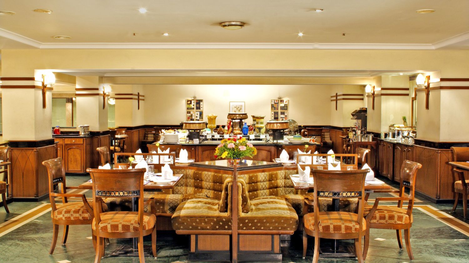 Promenade Restaurant at Aditya Park Hyderabad, hyderabad hotels near HITEC city