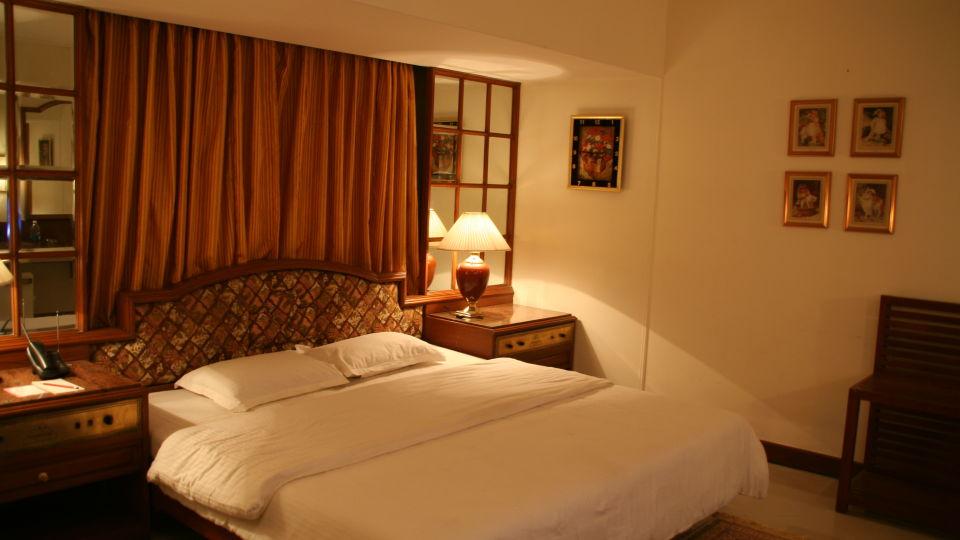 Executive Deluxe Room Hotel Kohinoor Executive Pune 3