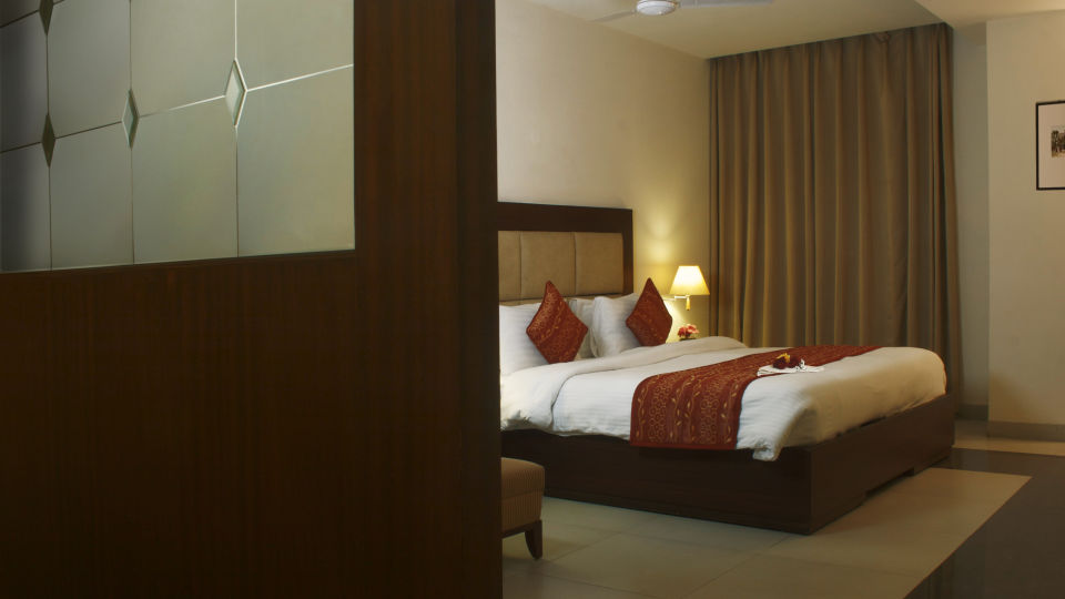 Suite at Legend Sarovar Portico, Baddi 3