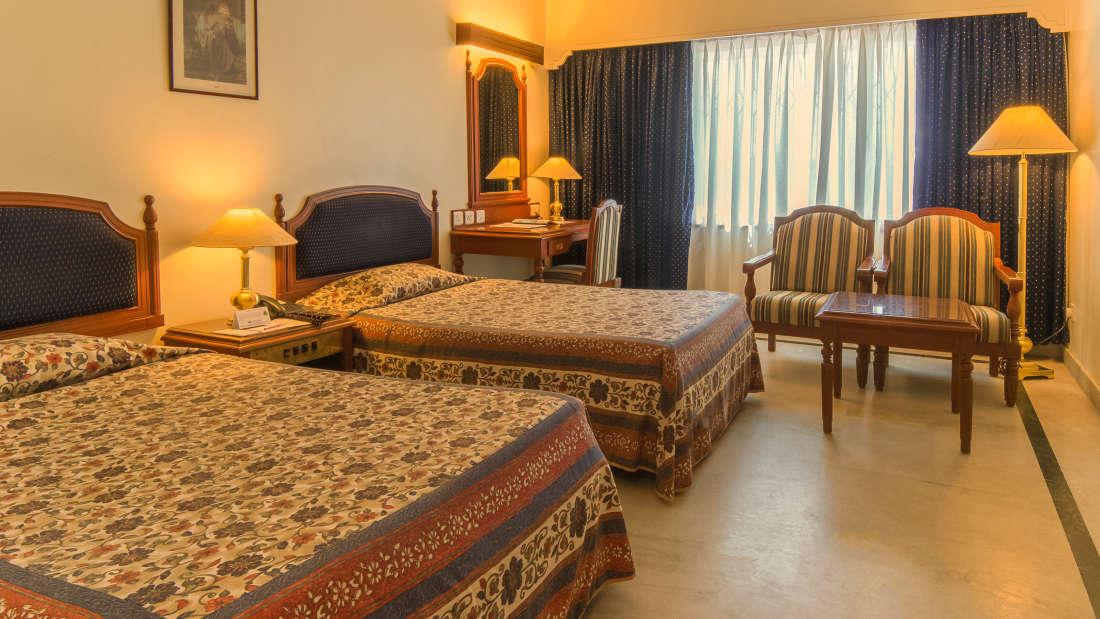 Hotel Annamalai International, Pondicherry Pondicherry Standard Room - Twin Bed Hotel Annamalai International Pondicherry 1