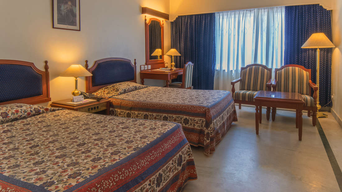 Hotel Annamalai International, Pondicherry Pondicherry Standard Room - Twin Bed Hotel Annamalai International Pondicherry 2