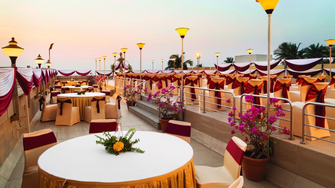 weddings venue at hotel ramada plaza palm grove juhu beach mumbai