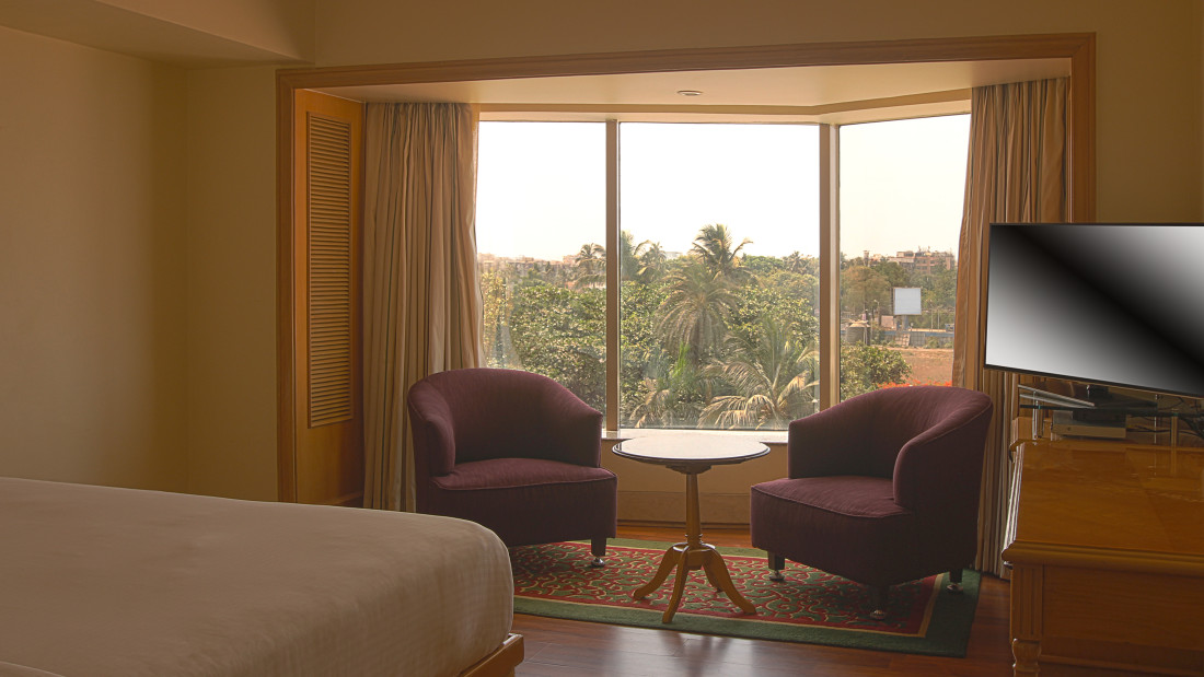 premium room at ramada plaza 1