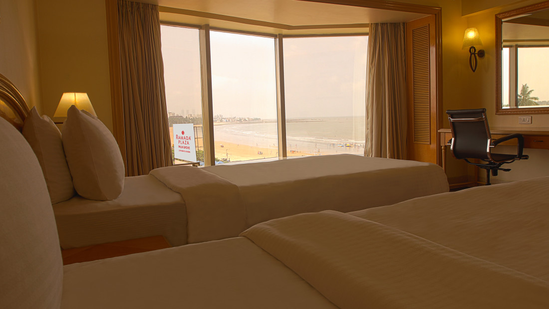 premium room at ramada plaza 3