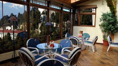 Central Heritage, Darjeeling Darjeeling Central Heritage Bar and lounge 2