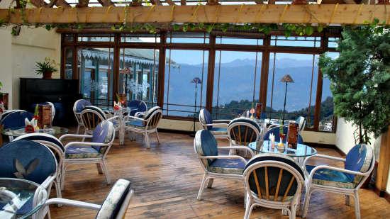 Central Heritage Resort & Spa, Darjeeling Darjeeling 1910 Bar and lounge Central Heritage Resort and Spa Hotel in Darjeeling 6