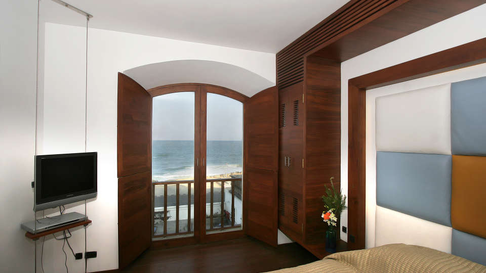 Promenade - Gorgeous suites by the sea